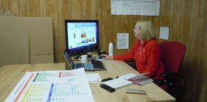 Peggys-messy-office