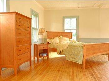 Fine-wood-bedroom-furniture-usa