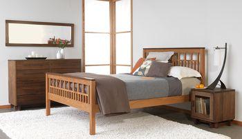 Solid-wood-bedroom-sets